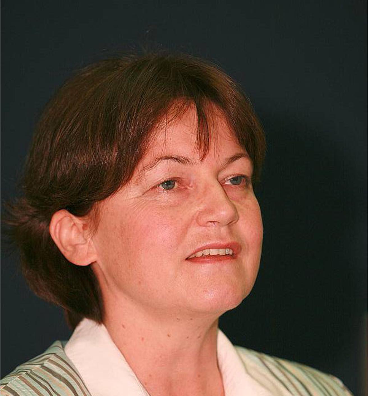 Frau Dr. Hahn